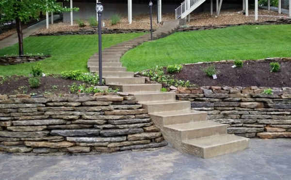 The Top Benefits Of Adding Retaining Walls To Your Lawn
