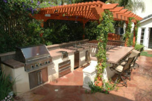 Pergola Shades Outdoor Kitchen