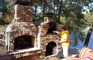 outdoor-pizza-oven-kitchen-pic